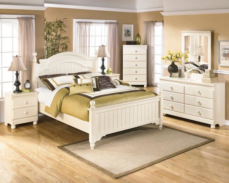 Ashley Cottage Retreat 5 Piece Queen Bed Set Portland