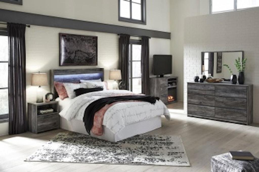 Baystorm 3 Piece Queen Bed Set
