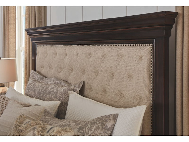 Rich Caramel Finish Classic Bedroom Set W Options: Ashley Brynhurst 5 Piece King Upholstered Bed With Storage