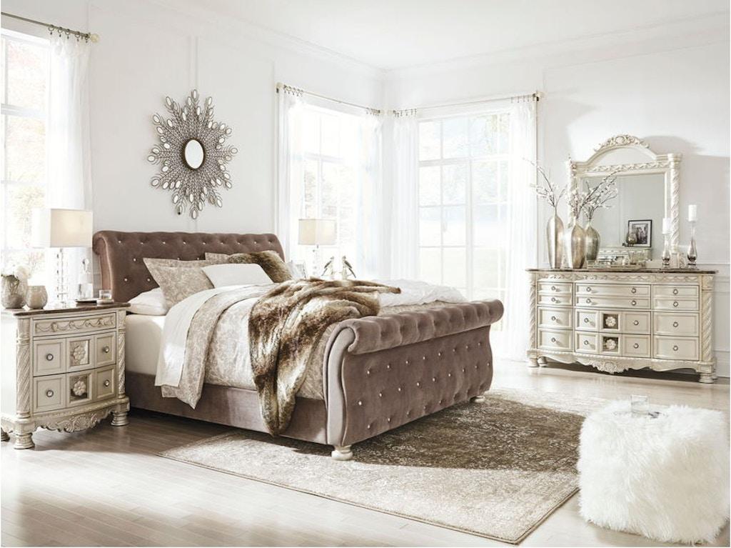 5 Piece King Upholstered Bedroom Set