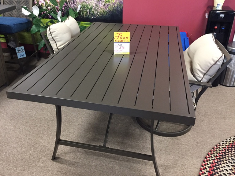 Clearance Outdoor Dining Clrnc Pred