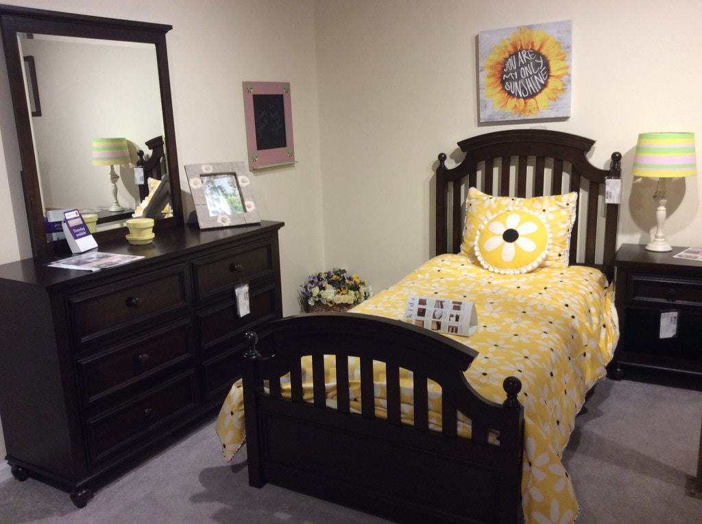 Legacy (Youth) 5pc Bedroom Set