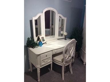 Bedroom Desks - Good\'s Furniture - Kewanee, IL