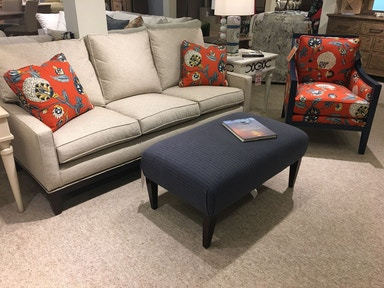 Hickory Park Furniture Outlet Montreal Sofa Chair And Tail Ottoman Group By Kincaid 698