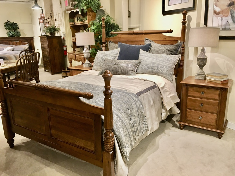 Amish Oak And Cherry Clearance Center Bedroom Queen Bedroom Set Fir Elise Hickory Furniture Mart