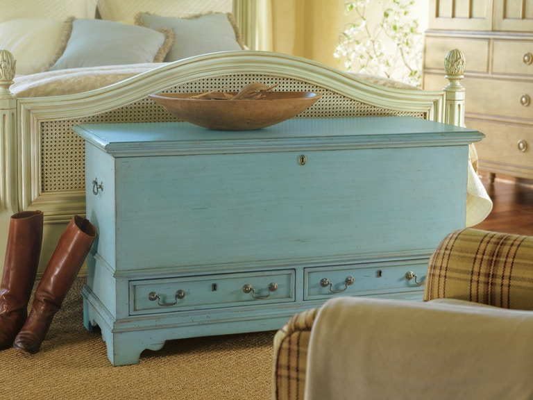 Luxury Bedding and Furniture by Designing Women Bedroom ...