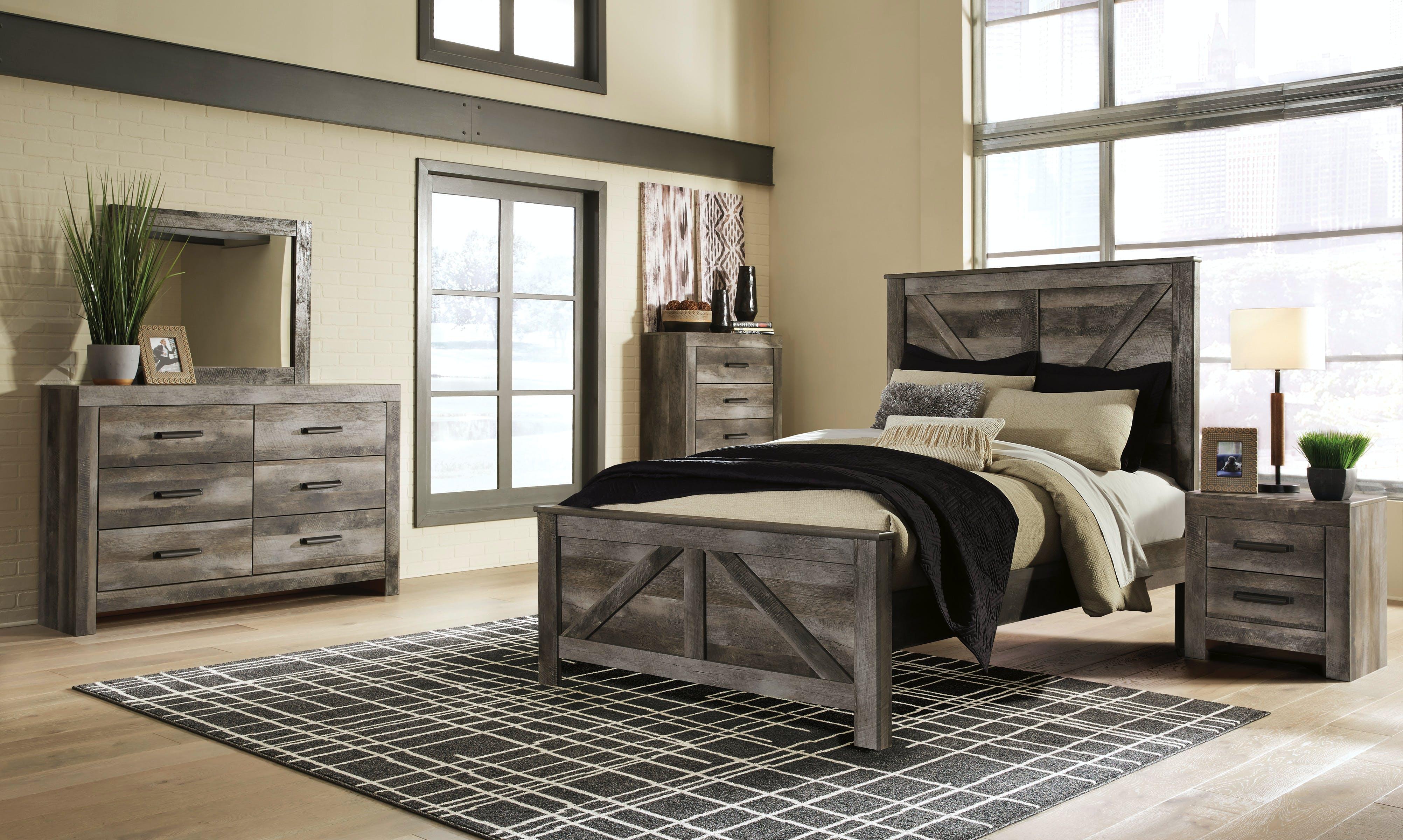 Wynnlow King Bed Dresser Mirror Farmers Home Furniture