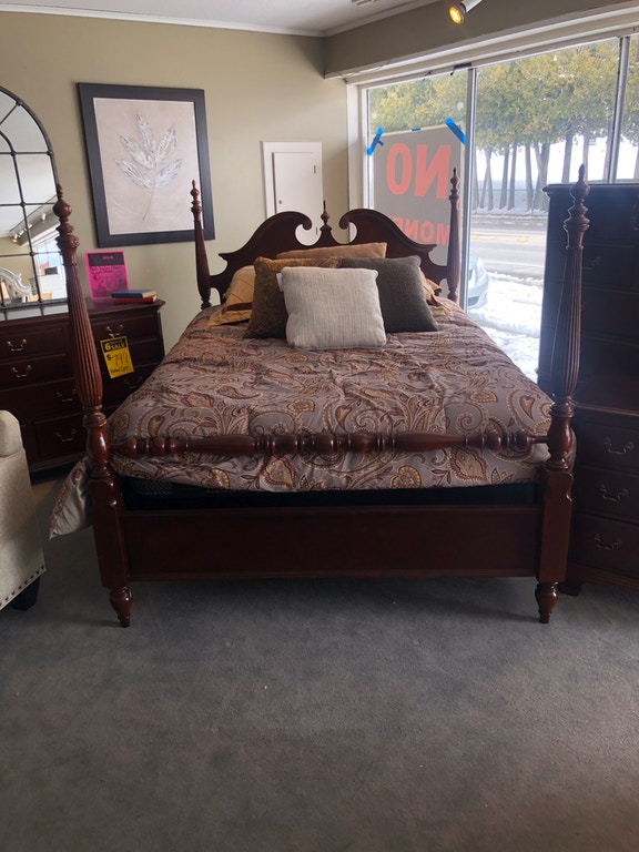 La Z Boy Clearance Queen Poster Bed 791 383r Bennington