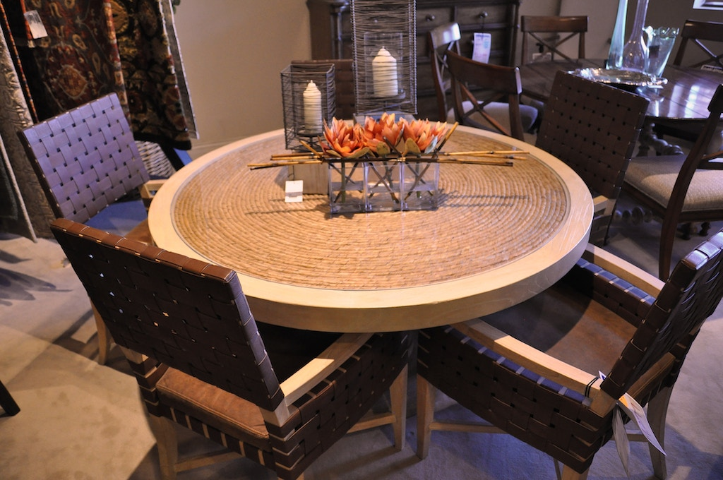 ROUND 56 GLASS TOP OVER WOVEN TABLE WITH (5) CHAIRS