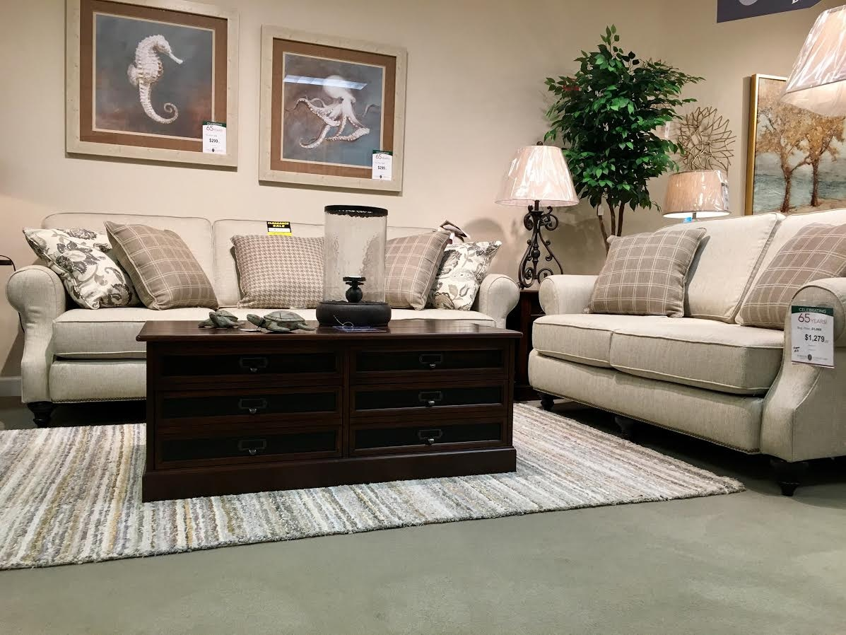 Designer Sofa And Loveseat Clearance Set. Normal Price Is $2599, But You  Can Buy Now For Only $1895! 1 Set Left!