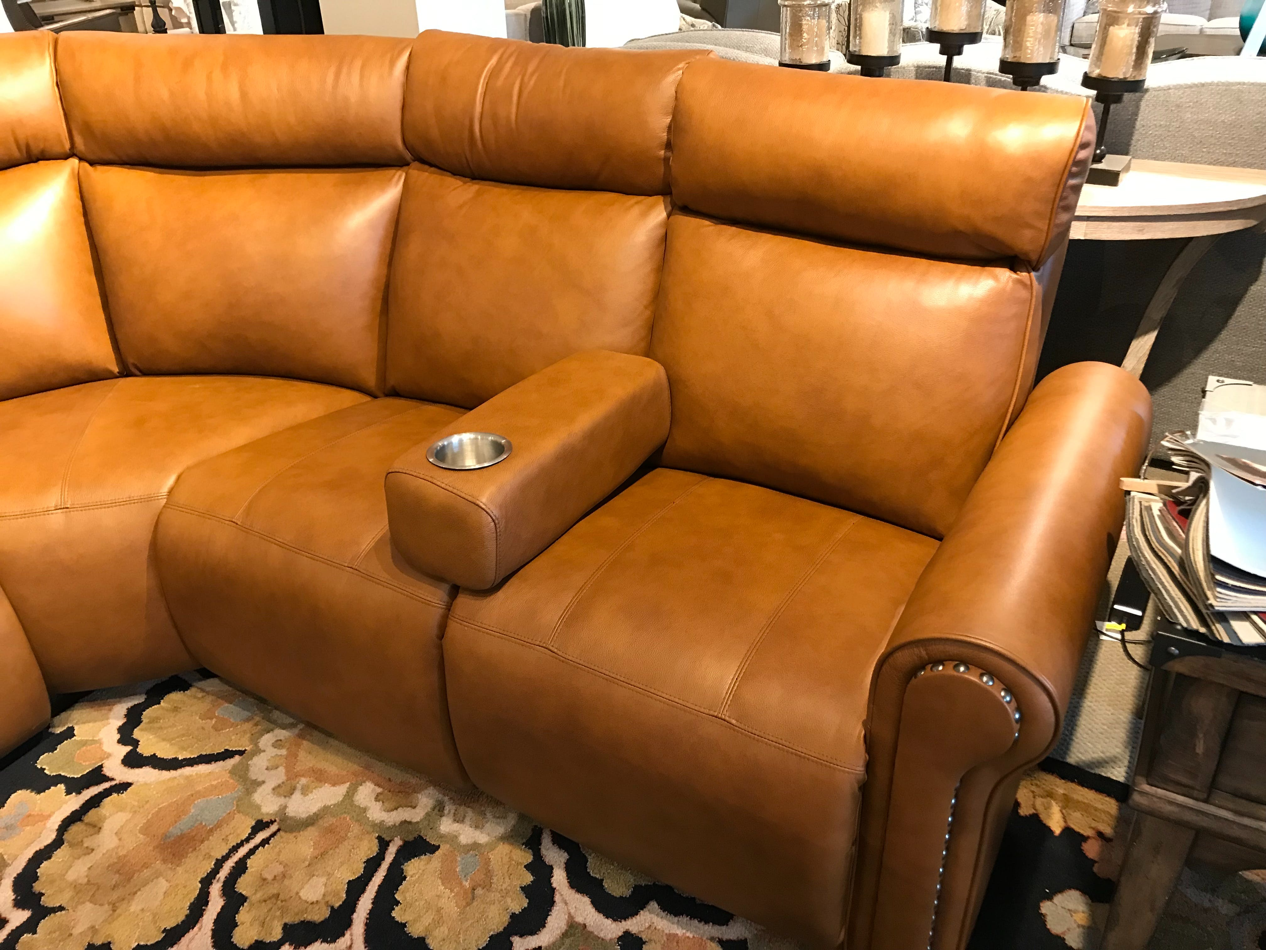 Elran 7000 Series Reclining Sectional