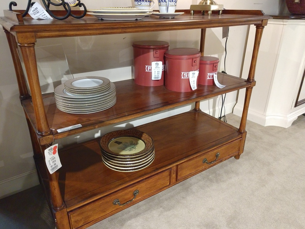Clearance Thomasville Furniture Queen 5