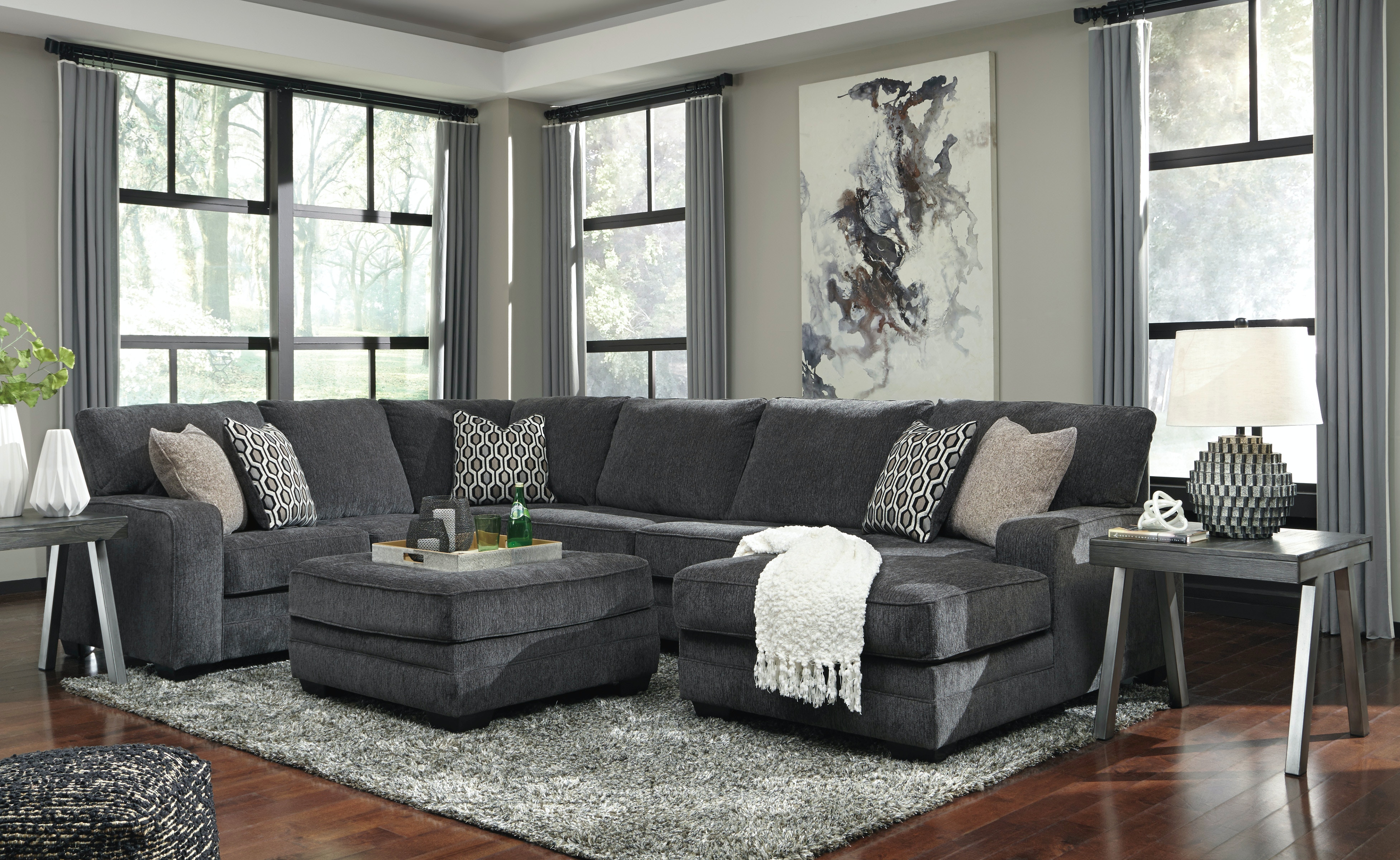 Signature Design By Ashley Living Room Sectional W Ottoman Pk72600