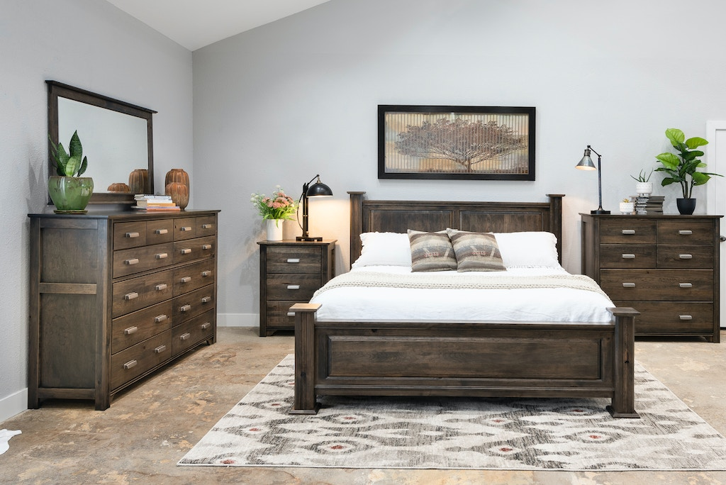 Woodley Brothers Mfg. Master Bedroom Set Highlander