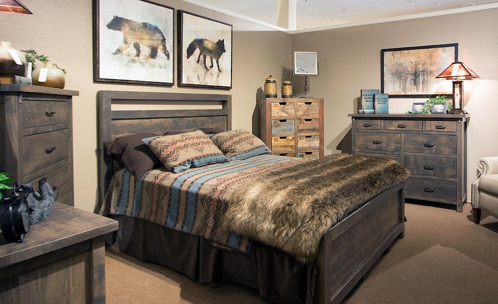 Ruffsawn Master Bedroom Set Loft