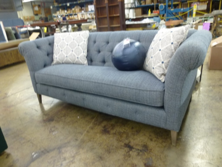 Outlet Center Bridgeport Sofa W Pillows Nv98370 1 From Walter E Smithe Furniture