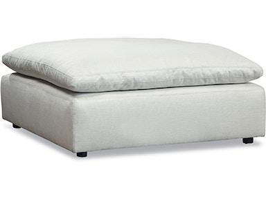 Terrific Living Room Benches Ottomans Walter E Smithe Furniture Short Links Chair Design For Home Short Linksinfo