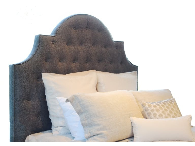 SERENADE ORNATE UPH QUEEN BED TUFTED