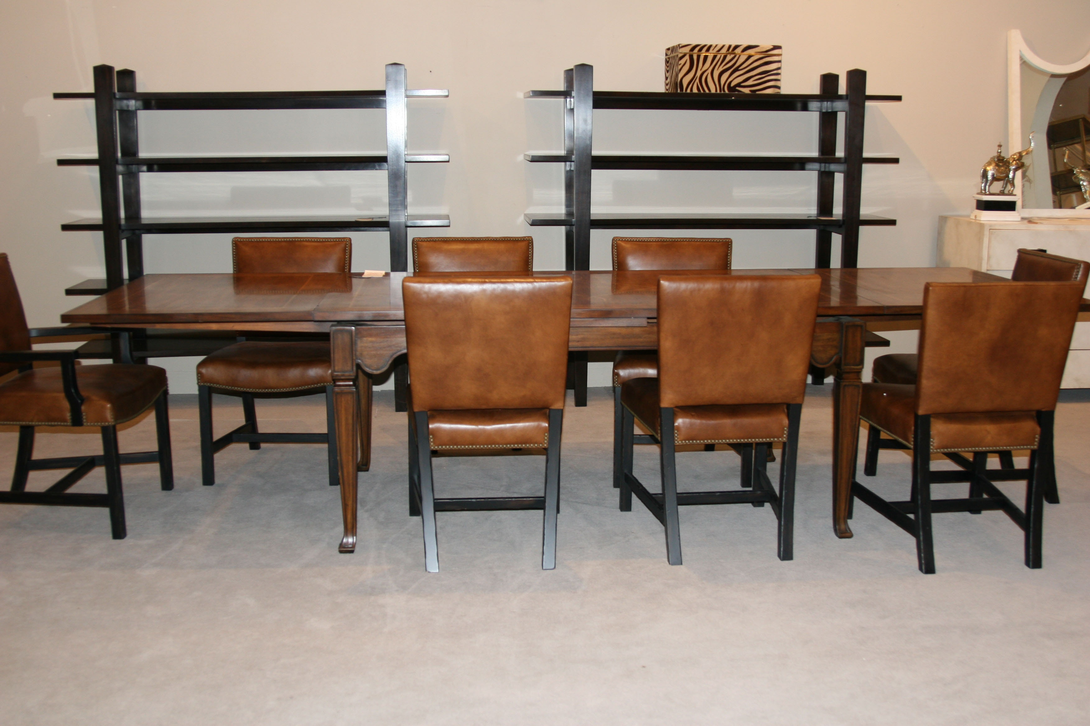 Henredon Factory Outlet Dining Table With Table Expanses 3402 20 689