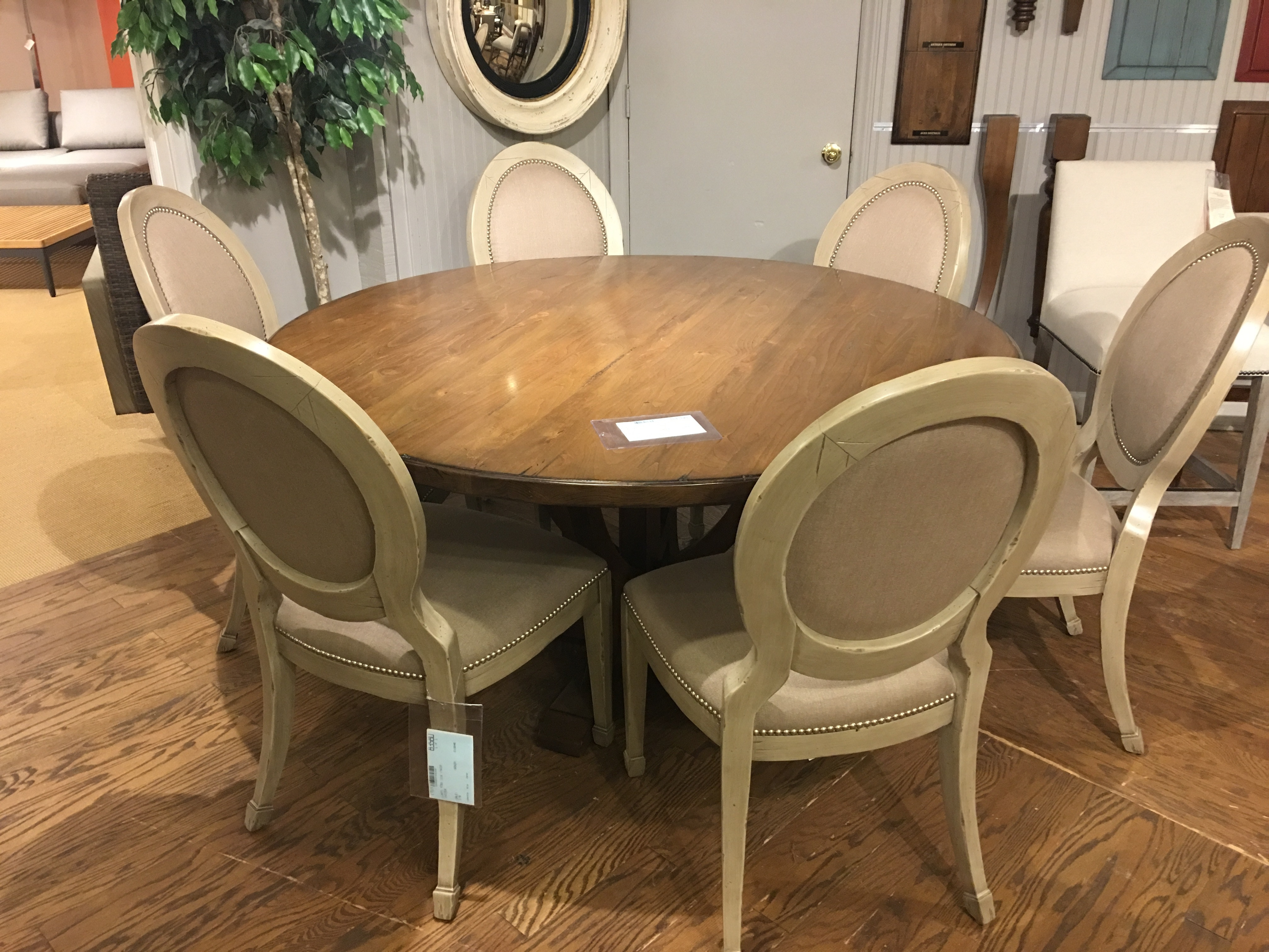 arlington round sienna pedestal dining room table w chestnut finish. 8460. round dining table arlington sienna pedestal room w chestnut finish