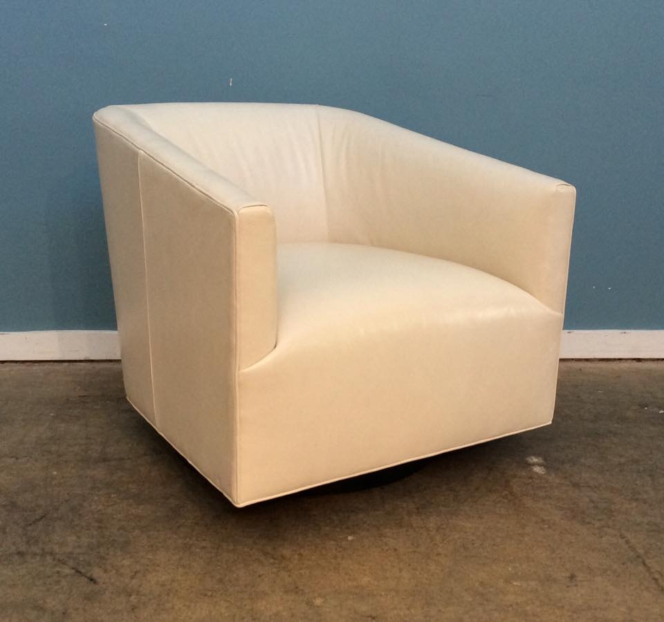 Mitchell Gold + Bob Williams Factory Outlet Cooper Leather Swivel Chair In  Highland Ivory Cooper
