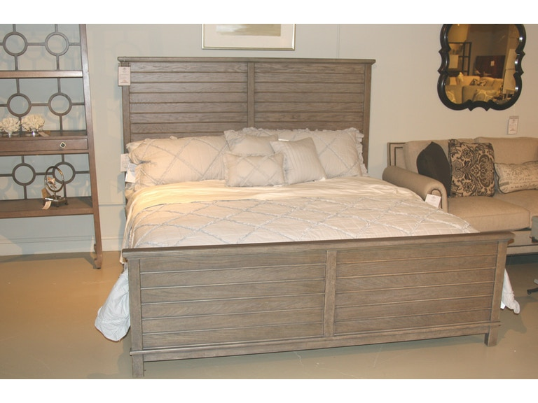 . Coastal Living Resort King Bed