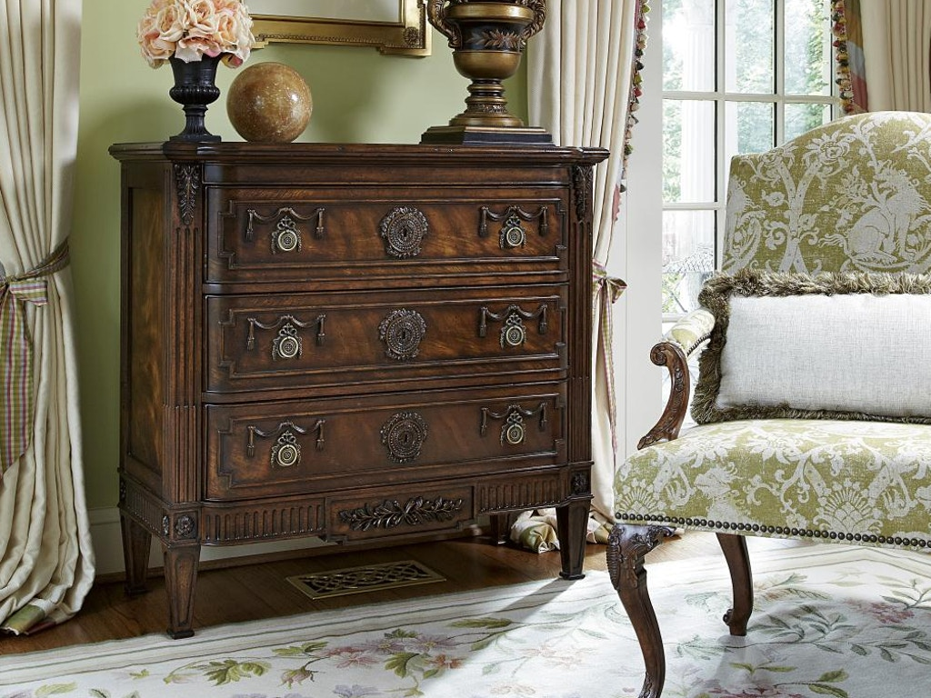 Fine Furniture Design 1340 964 Bedroom Hall Chest Vanderbilt