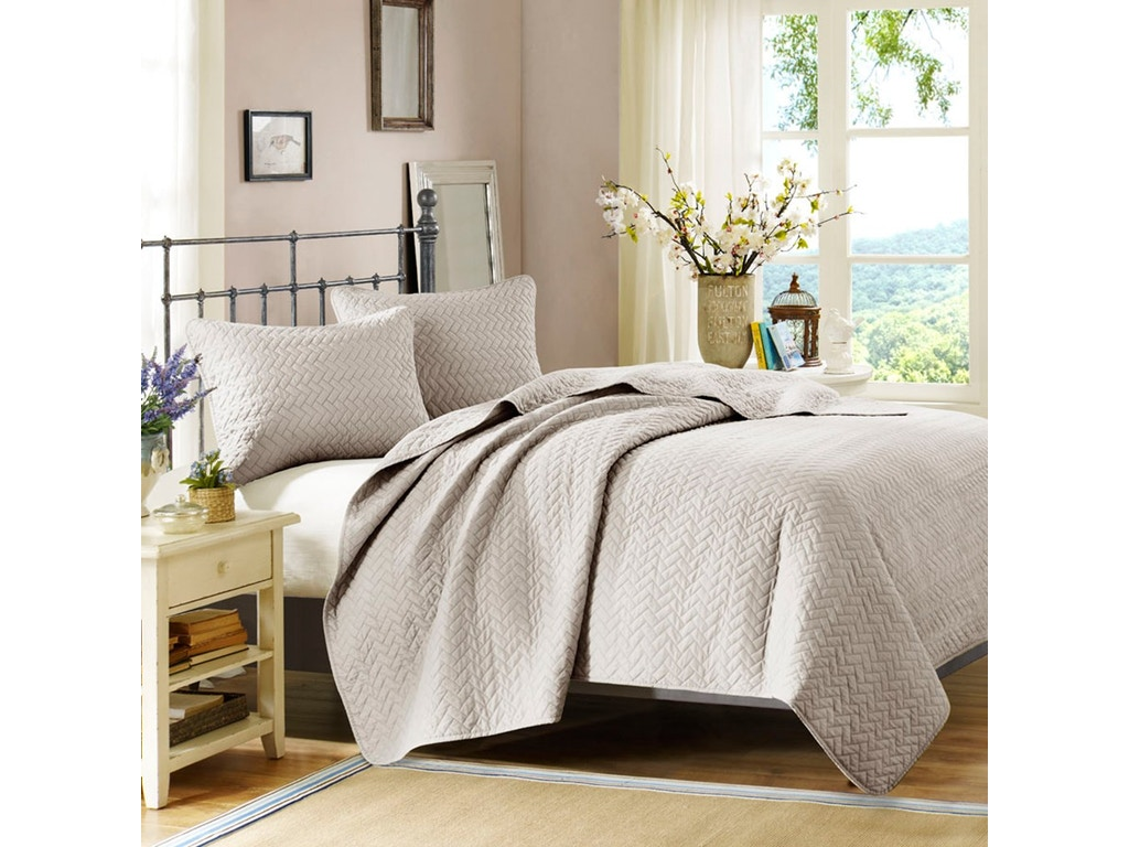 Hampton Hill Bedding Bedroom Velvet Touch Coverlet Set