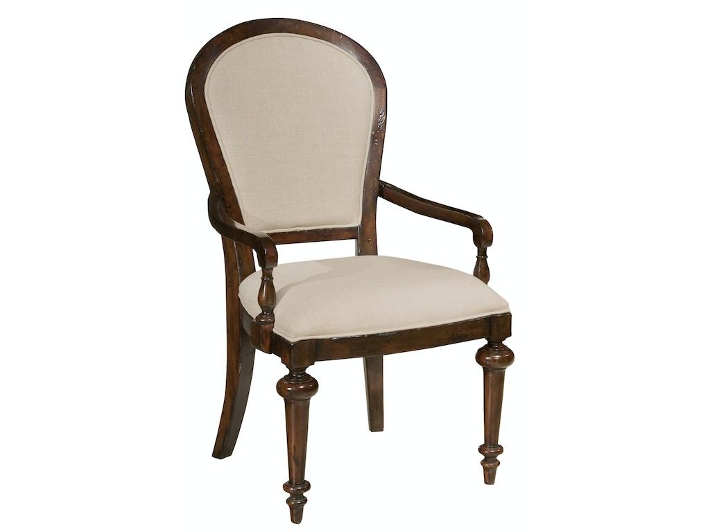 Hekman Furniture 942704cp Charleston Place Dining Room