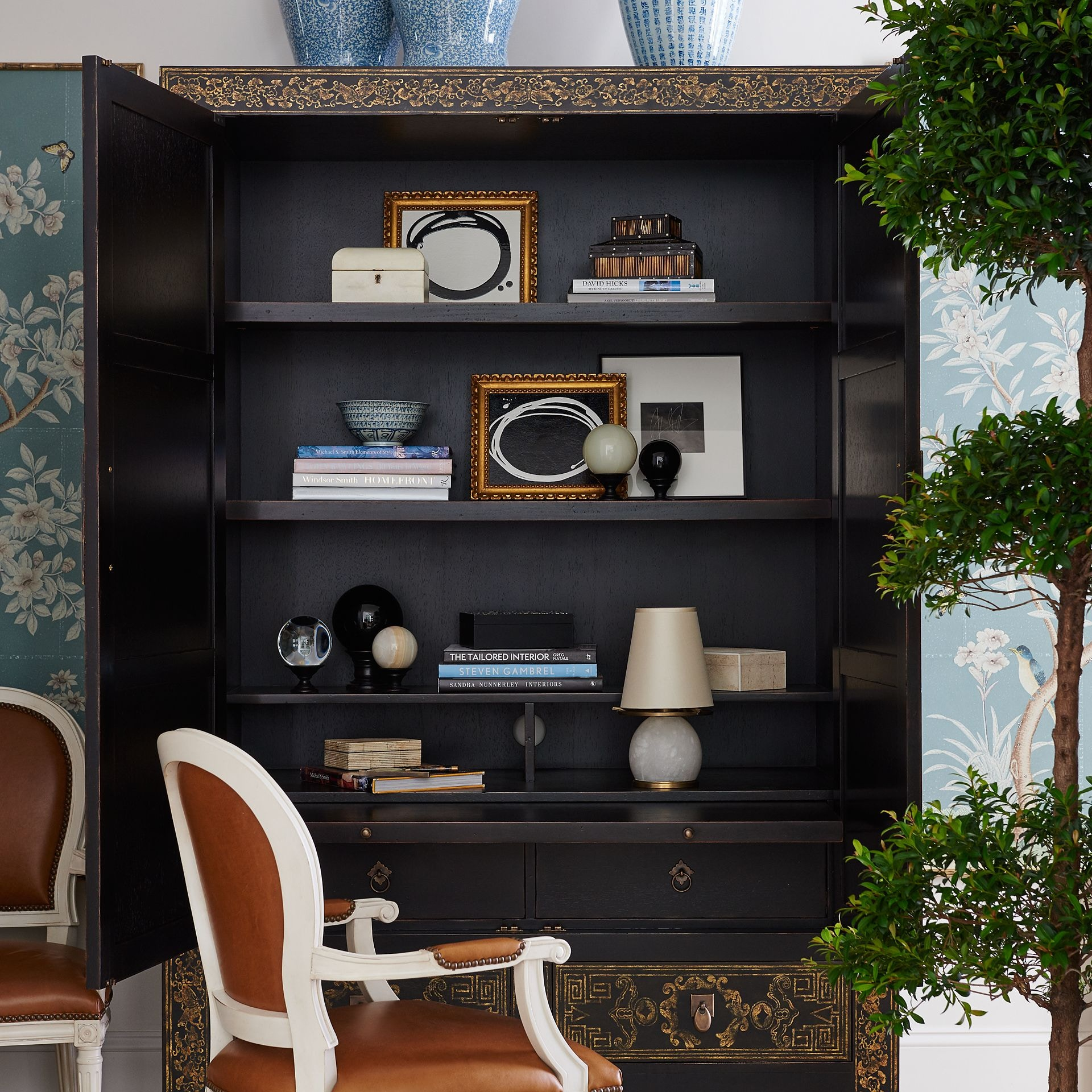 Henredon Furniture Mark D. Sikes Queens Road Chinoiserie Armoire 2401 05 816