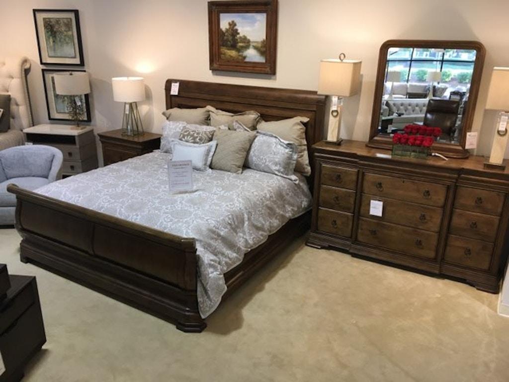 Universal Furniture New Lou Bedroom Group 4 Piece Bedroom Set