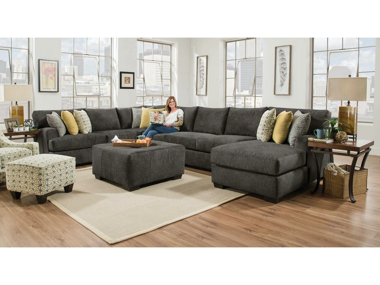 Chesapeake Living Room Alton 3 Piece Sectional