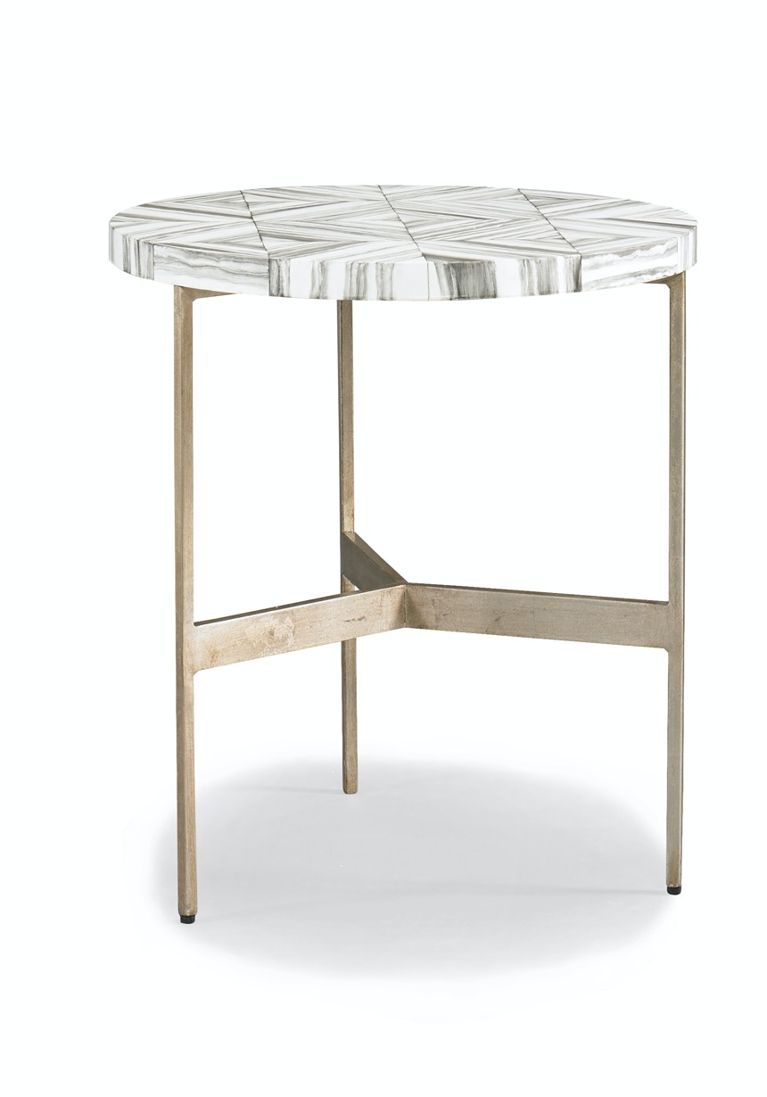 Superieur Hickory White Gabin End Table 546374
