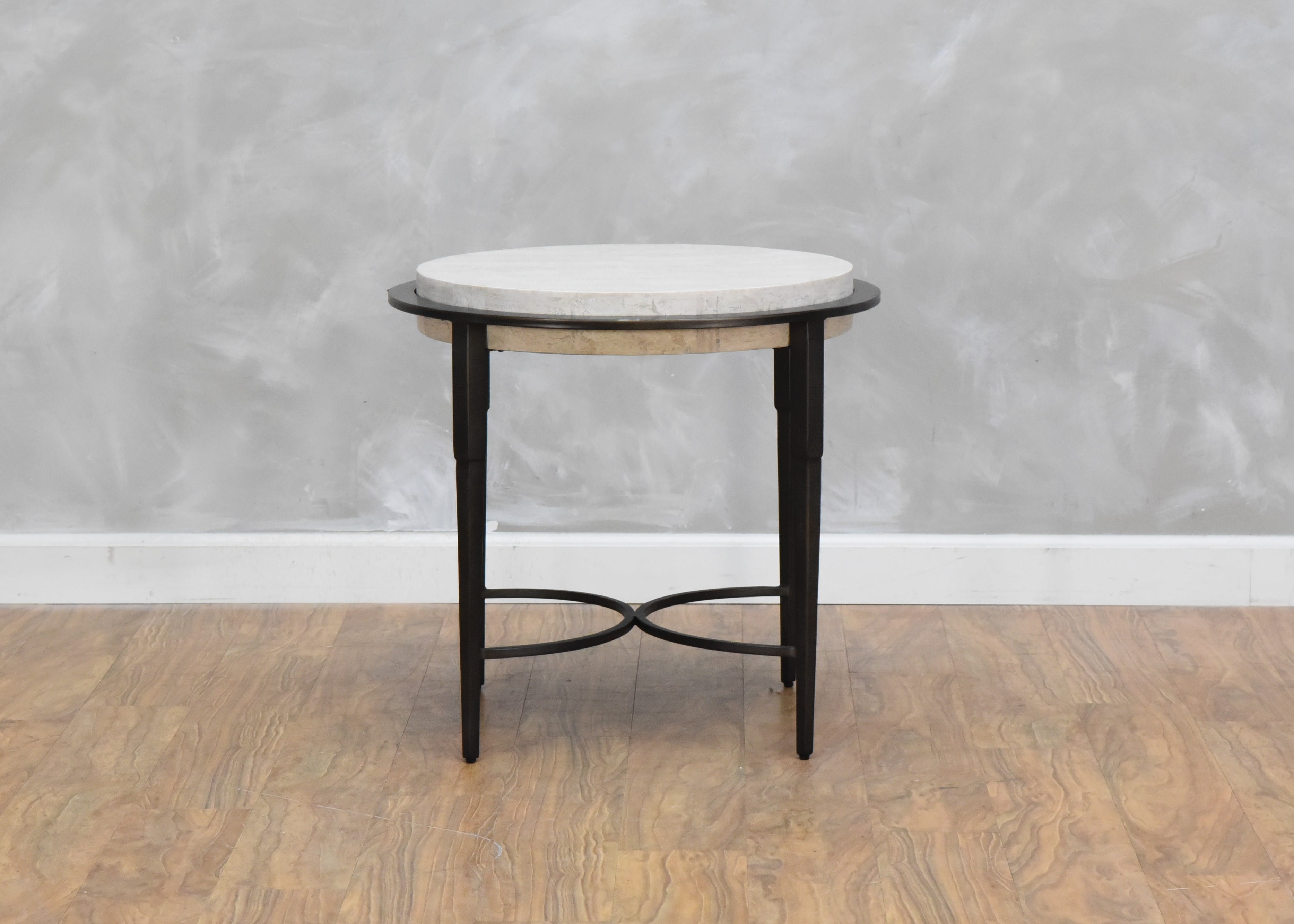 Picture of: Bernhardt Living Room Barclay Round Chairside Table 567841 Kittle S Furniture Indiana