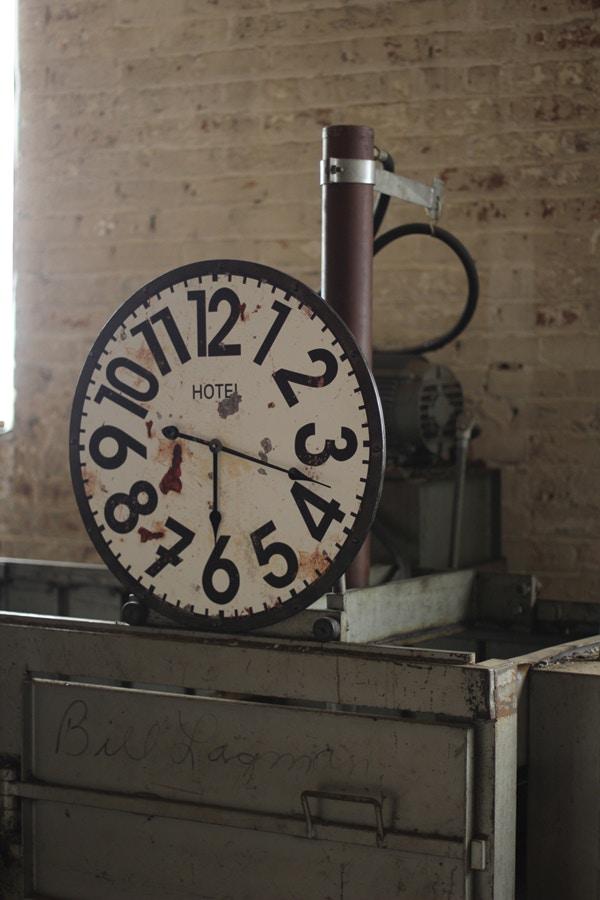 Kalalou Hotel Clock 491886